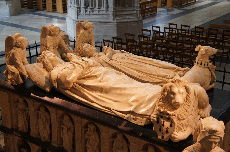 Le tombeau de François II et Marguerite de Foix, père d'Anne de Bretagne, sculpteur Michel Colombe, XVIe siècle. Cathédrale Saint Pierre et Saint Paul de Nantes.